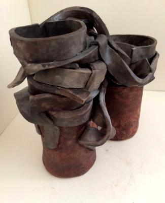 Entangled, side view, ceramic
